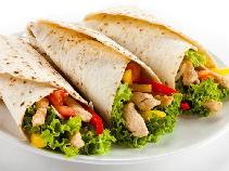 Grillowana tortilla z kurczakiem i warzywami [WIDEO]