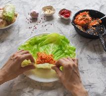 Jak szybko przygotować liście kapusty na gołąbki? Wskazówki dla smakoszy