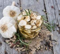 Nalewka czosnkowa: sposób na zdrowie