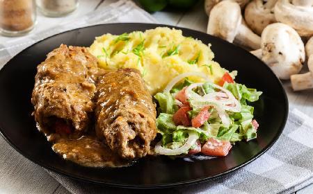 Zrazy cielęce w sosie musztardowym: danie kuchni polskiej