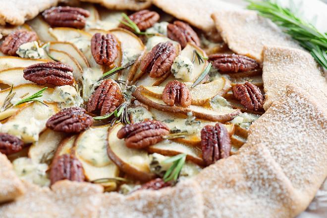 Wytrawne ciasto jabłkowo-rozmarynowe
