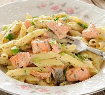 Łatwy makaron z pstrągiem tęczowym w kremowym sosie: pyszny obiad dla rodziny