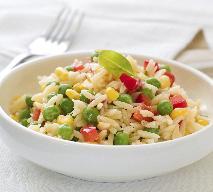 Sałatka ryżowa: przepis na szybką, lekką sałatkę