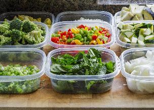 Jak wybrać pojemniki do przechowywania żywności?