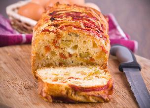 Chlebek pizza: przepis na chleb nadziewany dodatkami do pizzy