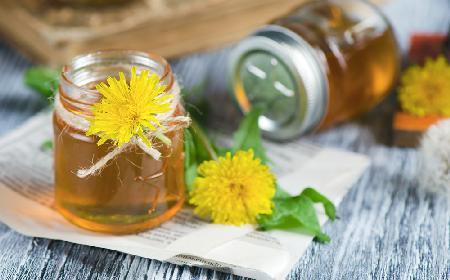 Jak zrobić syrop z mniszka lekarskiego, naturalny lek na przeziębienie?