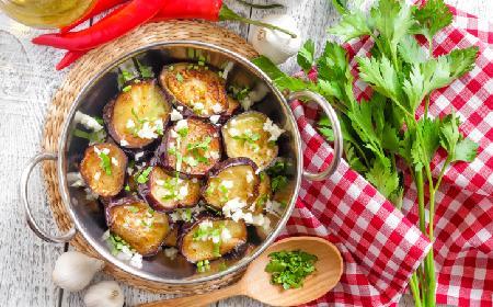 Dorsz z bakłażanami: pomysł na obiad