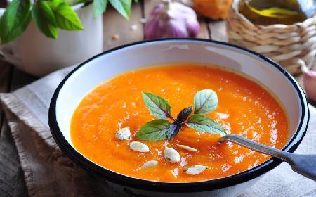 Przepisy na Halloween: zupa krem z dyni z wanilią [WIDEO]