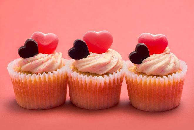 Jak zrobić muffinki walentynkowe? Podajemy dobry przepis