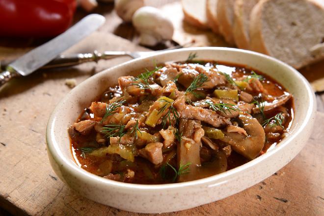 Klasyczny Strogonow - przepis na prosty obiad z wołowiny
