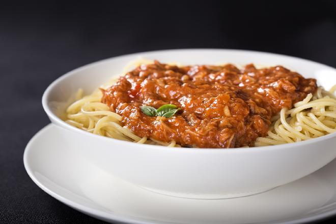 Spaghetti z tuńczykiem - obiad na szybko dla zapracowanych